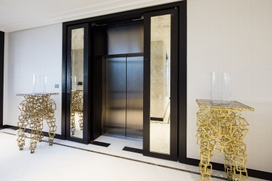 The Brummell Penthouse: Lift lobby