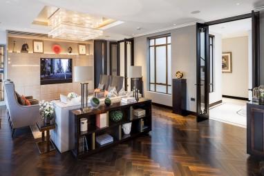 The Brummell Penthouse: Living room