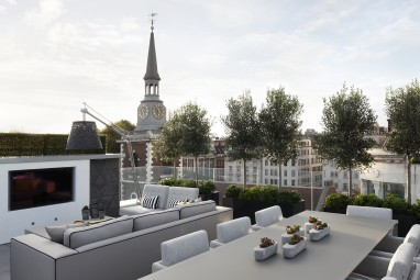 The Brummell Penthouse: Roof terrace with fire pit and television